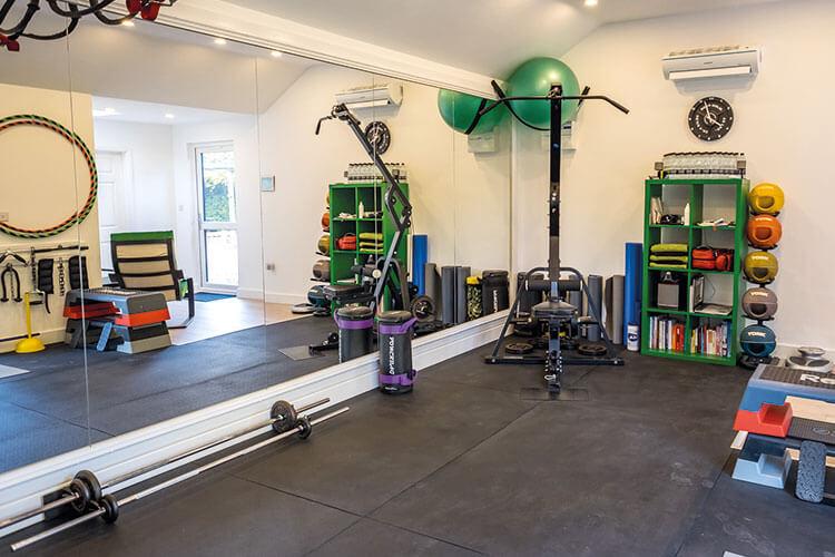 Simon-Farrar-Gym-Lat-Pull.jpg