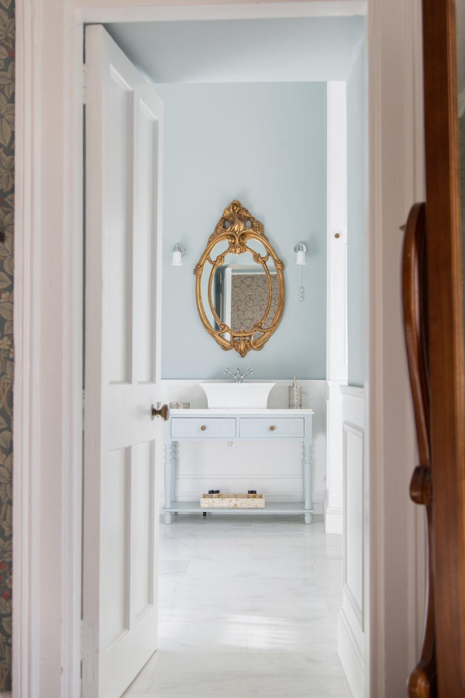Mirror & Bathroom