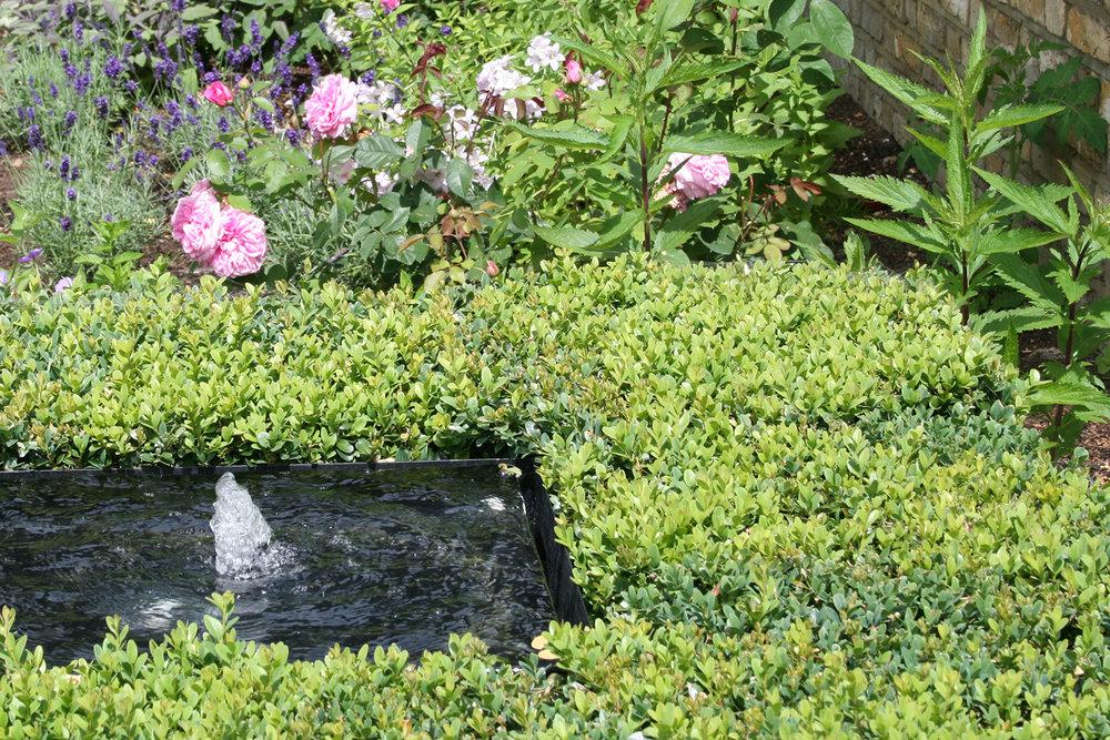 Joanna_archer_garden_design_water_feature2.jpeg. Joanna Archer Garden Design