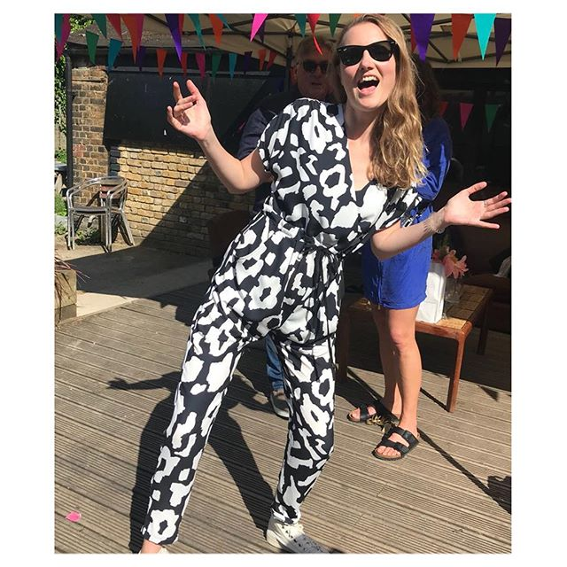 The perfect day for a right Royal Knees up! And what better to wear than @littleyellowlondon  We LOVE seeing our Jumpsuits being worn & enjoyed by our glorious customers 🥂  Cheers! 🥂 #breastfeedingfriendly #jumpsuit #postpregnancy #hotmuma