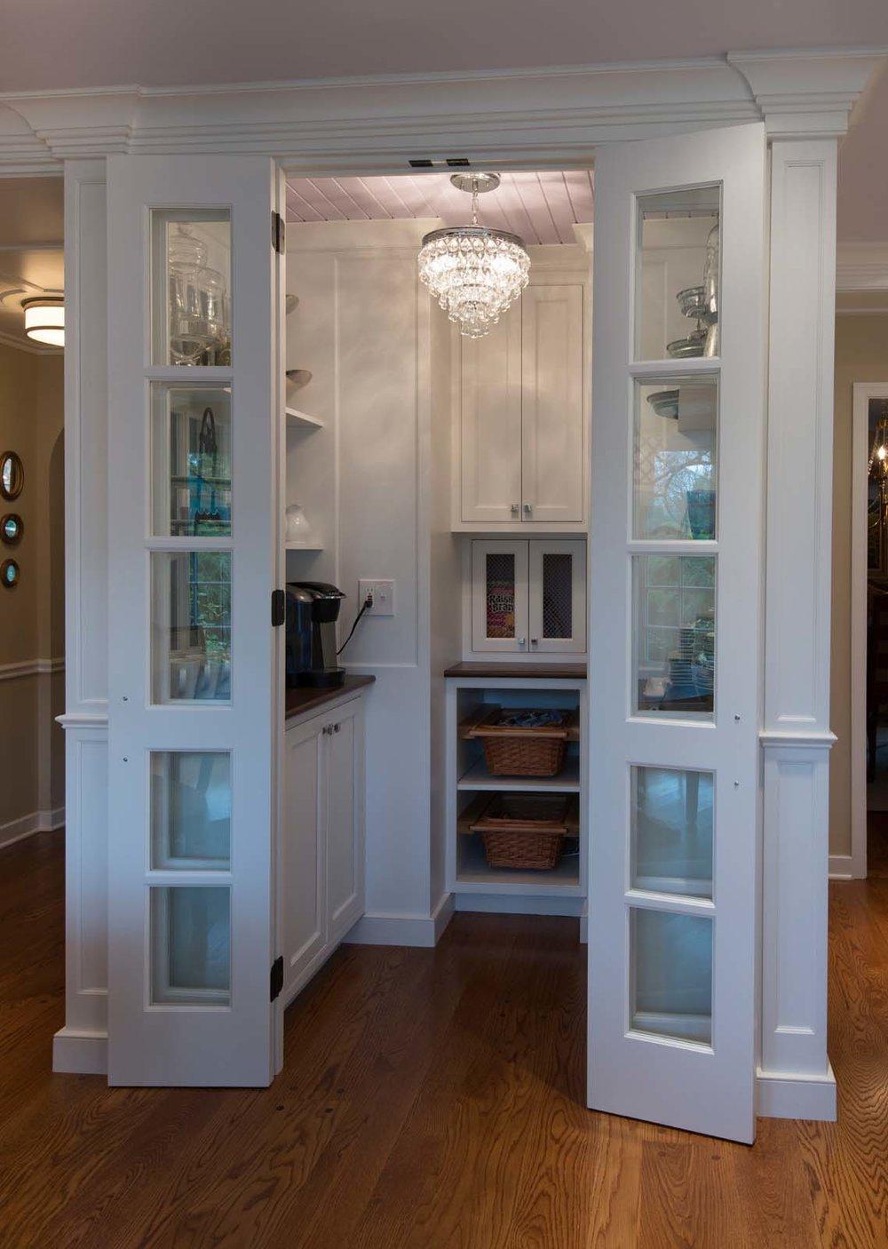 Villanova White Kitchen Hi Res-5.jpg