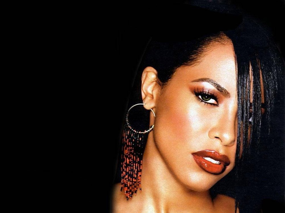 cadacf8a Gloss was Aaliyah's go-to lip trend— whether it was paired with MAC's  Chestnut lip liner or worn with no makeup at all. This lip gloss set should  include a ...
