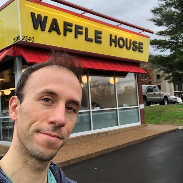 I think @wafflehouseofficial should be the official bfast place of the Monday Club Podcast! #podcast #breakfast #waffles #yummy