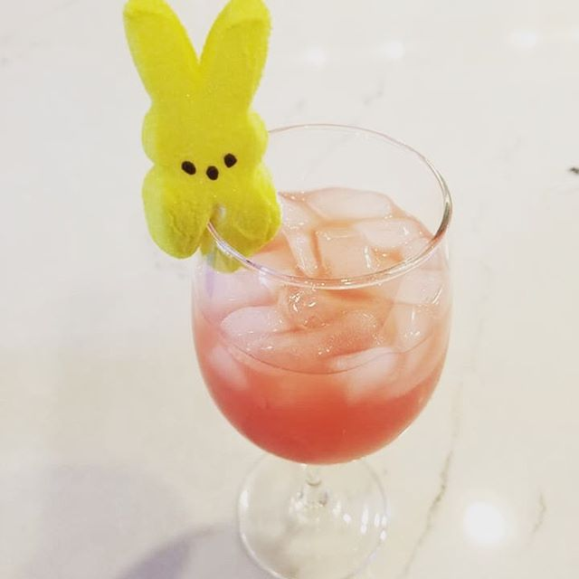 Peeps on the beach! Learn how to make the perfect easter cocktail in this weeks episode! #linkinbio #easter #podcast #cocktails