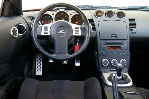 Nissan 350Z 2005 interior