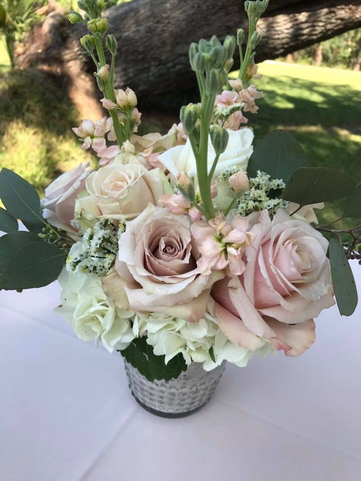 lowcountry-kitchen-catering-beaufort-sc-dave-and-erica-hein-wedding-florals.jpg