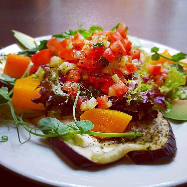 Mediterranean vegan salad 🥗 • • • • • • #demscanterbury #veganrecipes #veganfood #dems #medditeraneanfood