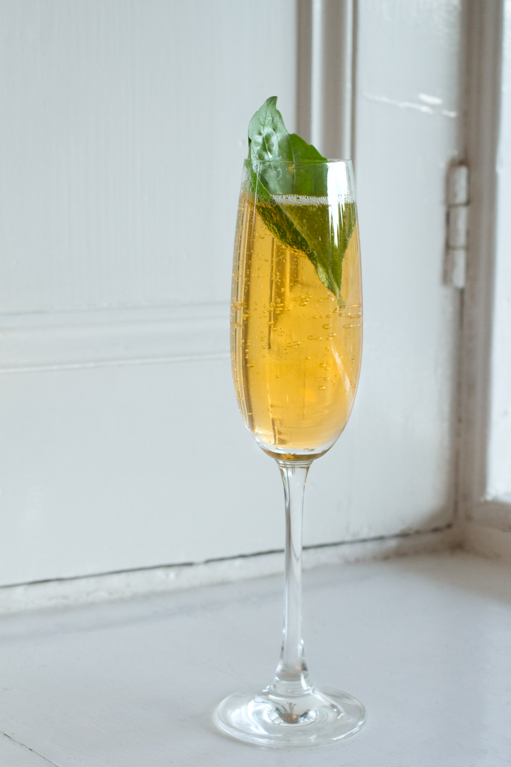 Bottle-Bitches-Cocktail Recipe for Bitches-Bubbles-Fino-Sherry-with-Sparkling-Wine-and-Apricot-and-basil