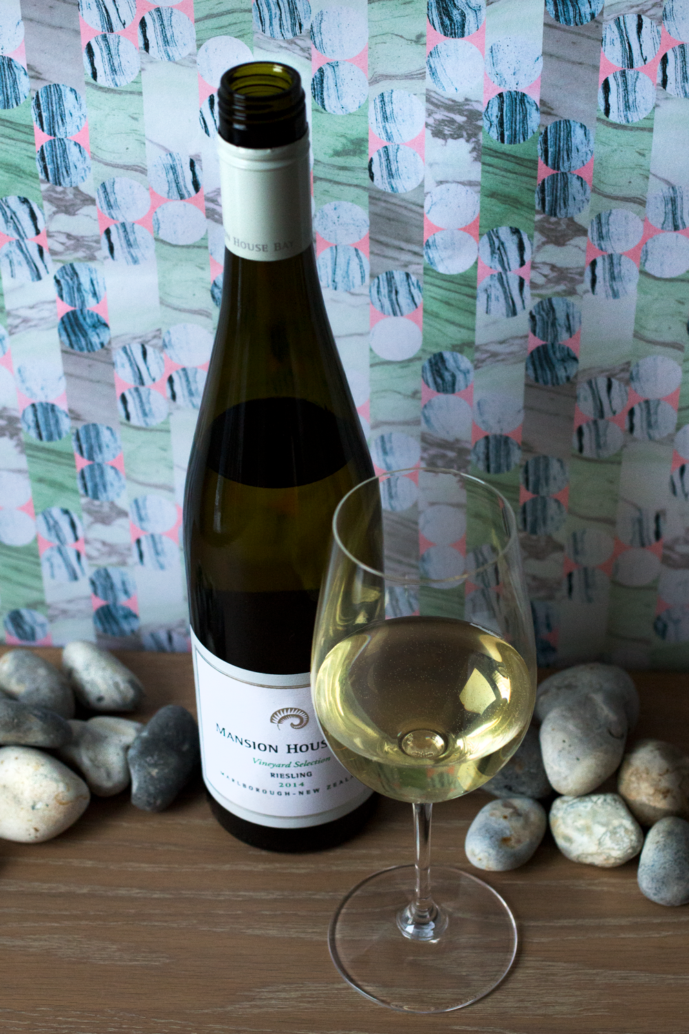 Bottle Bitches Review Mansion House Bay Riesling 2015.png