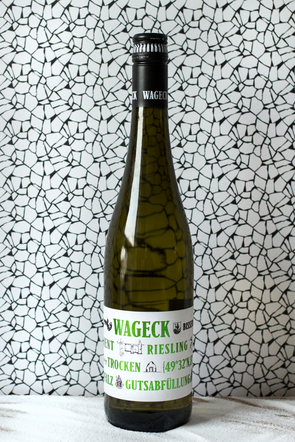 Weingut-Wageck-Fundament-'Green-Label'-Riesling-2016-German-Wine-Review-by-Bottle-Bitches.png