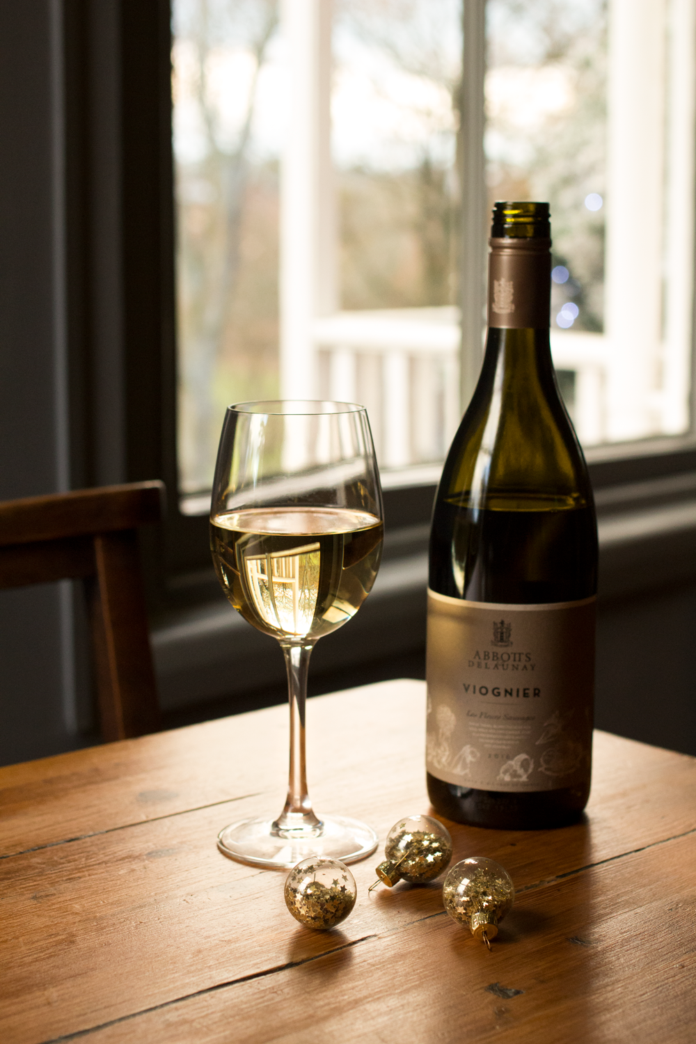 Bottle-Bitches-Wine-Review-Abbotts-&-Delaunay-Viognier-2015.png