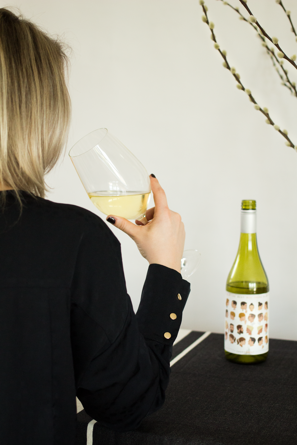 Bottle-Bitches-Review-Magpie-Estate-The-Next-Big-Thing-Chardonnay-Australian-Wine-Review.png