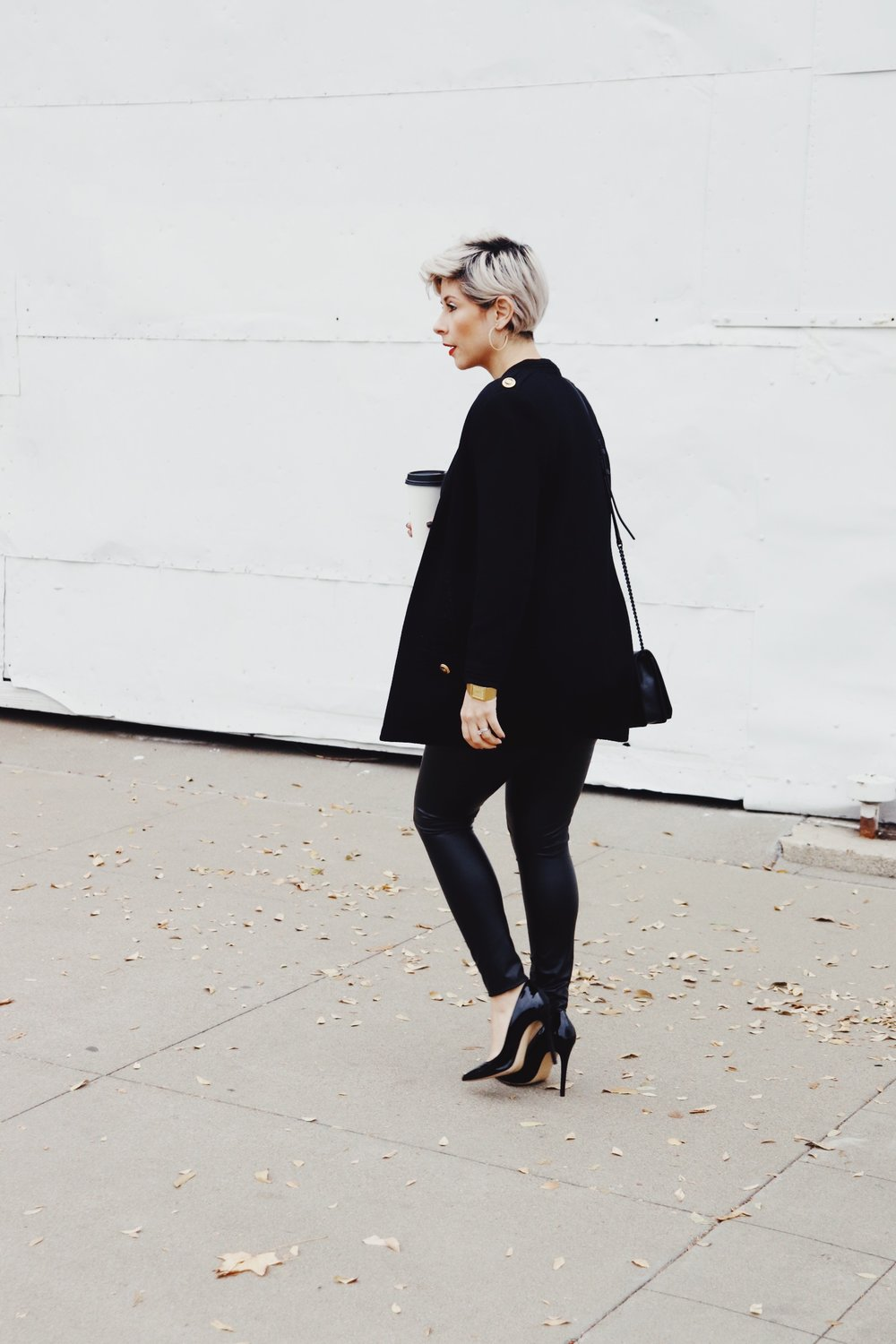 Holidayoutfit2018allblackchicoutfitlibier_3nbb.JPG