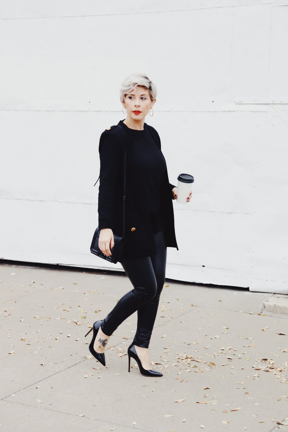 Holidayoutfit2018allblackchicoutfitlibier_9e.JPG