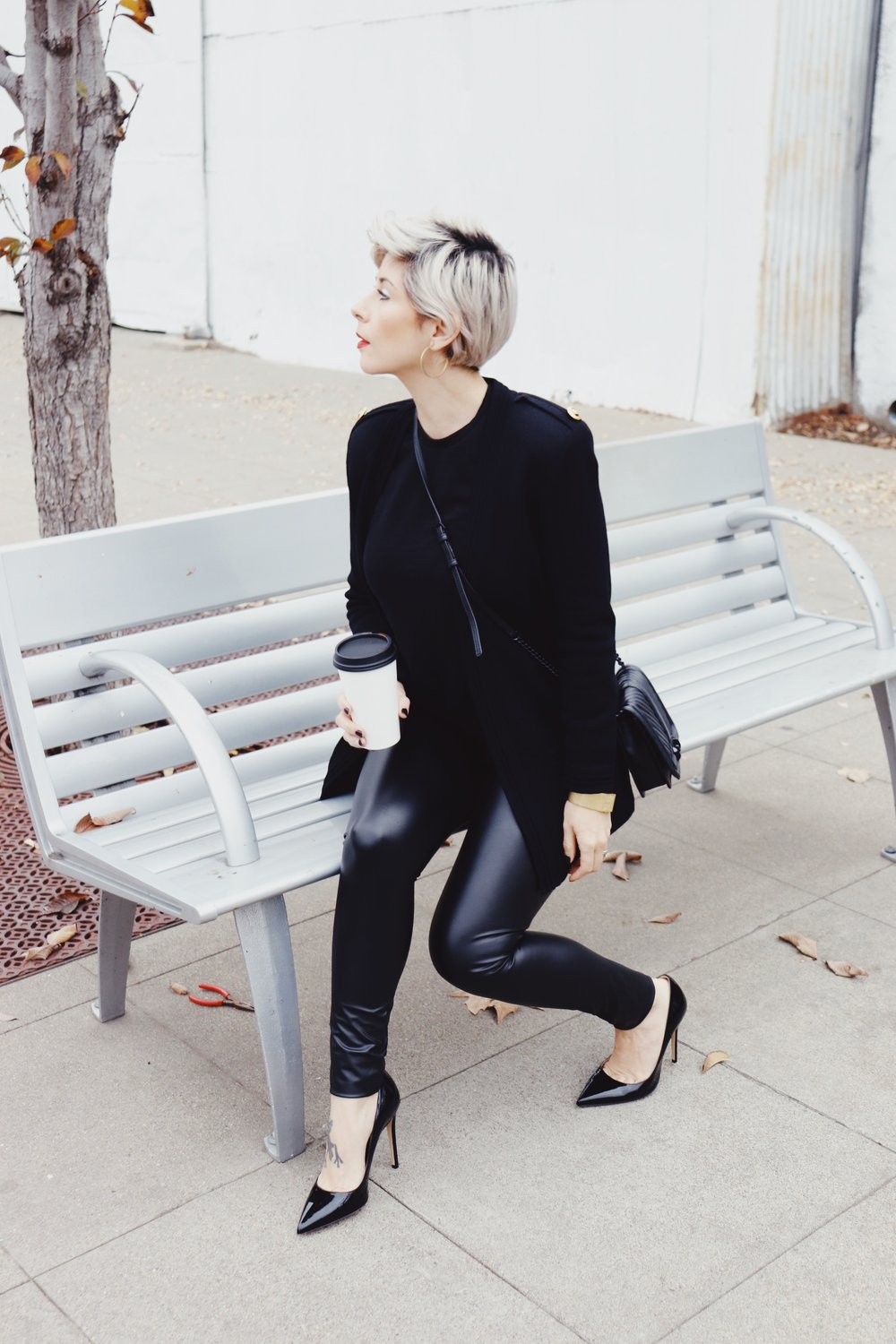 Holidayoutfit2018allblackchicoutfitlibier_39bh.JPG