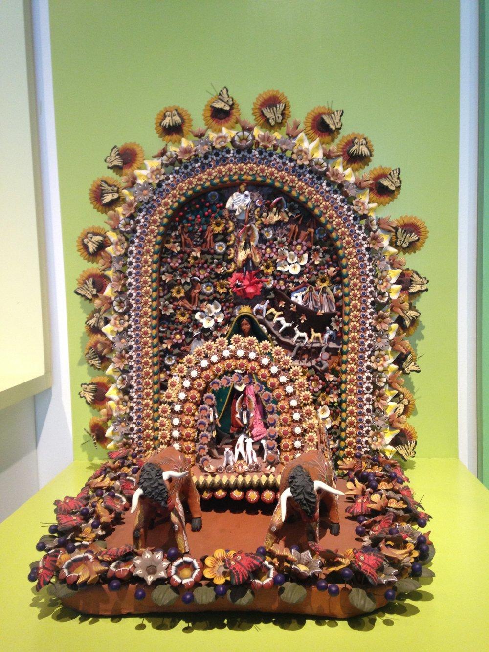 Muitas peças religiosas no museu