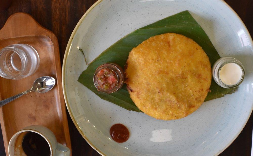 Arepa ! A melhor que comemos na Colômbia, no  Café Época