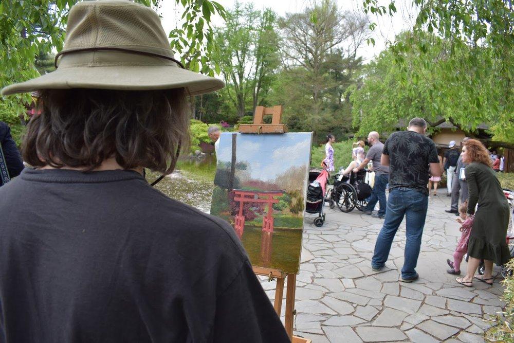 Artista inspirado com o Jardim Japonês