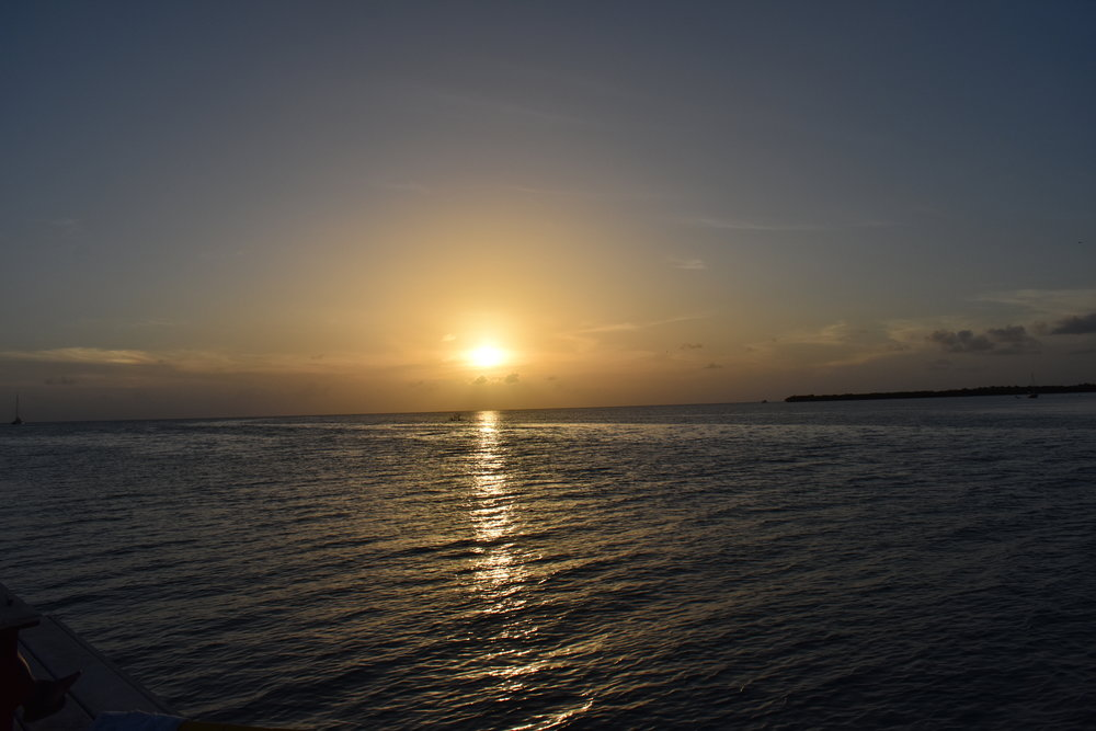 Por do sol visto no The Split, parte sul da ilha de Caye Caulker.