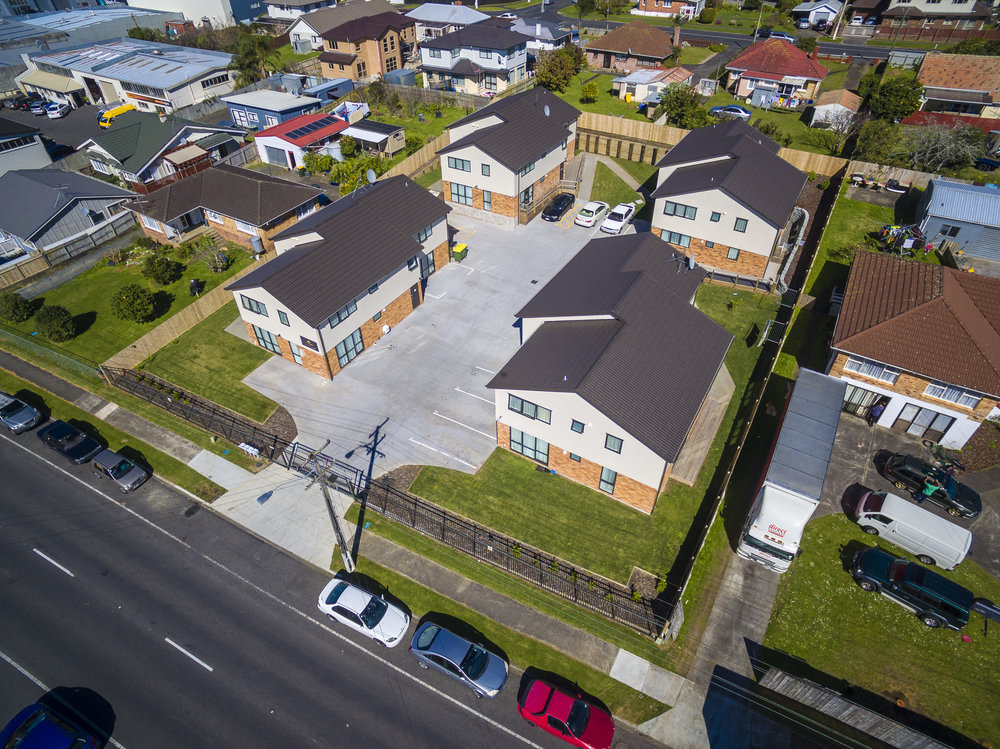 Residential Centre Developments are a share house hybrid model where by tenants rent out a private en-suited studio with communal kitchen facilities. The model has succesffuly been applied by Clarke Group over Auckalnd.