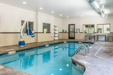 Sleep Inn Pool.jpg
