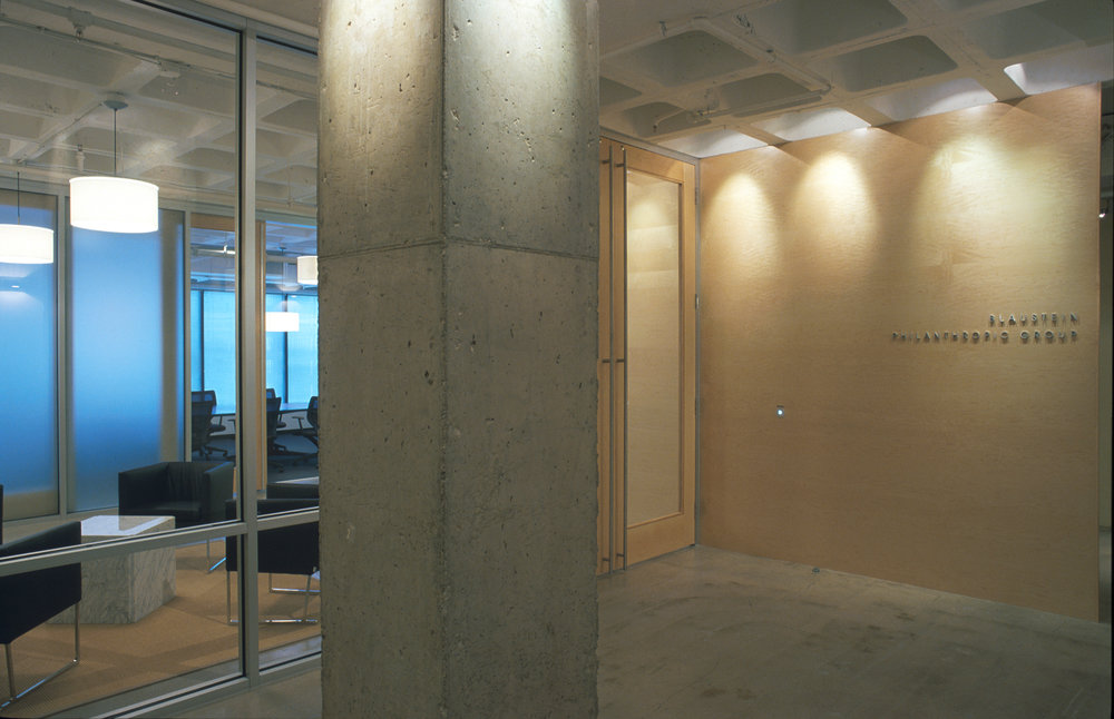 08-BPG - entry from corridor w column 1A.jpg