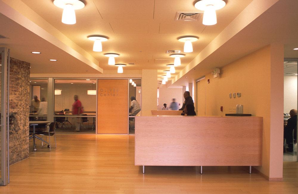 01-OC-reception-desk-from-entry.jpg