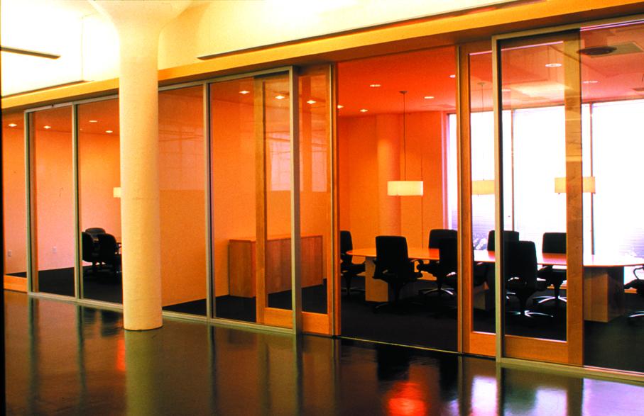 06-TOI-presentation room.jpg