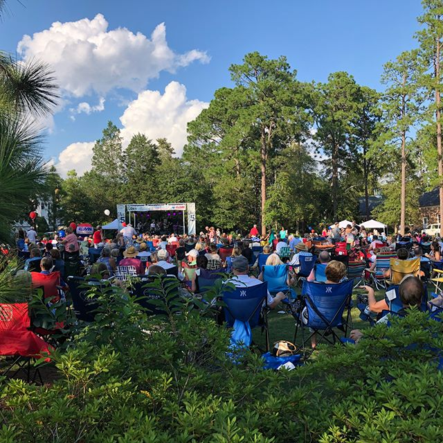 It's a beautiful evening in Pinehurst at Live After Five #liveafterfive #livemusic #chooselocalmc #clmc