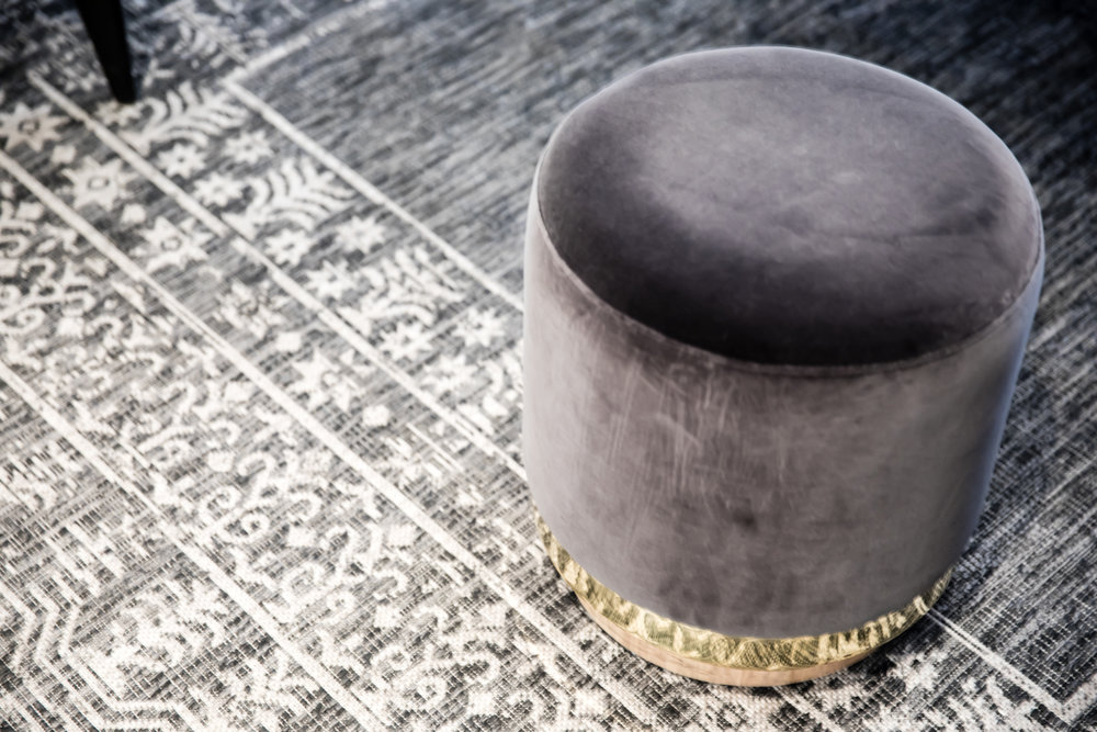 Stool and rug in grey and gold