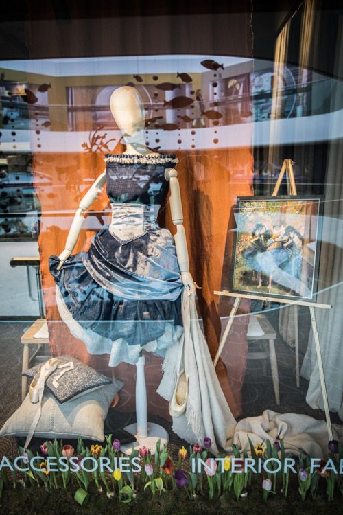 What a stunning Degas window display