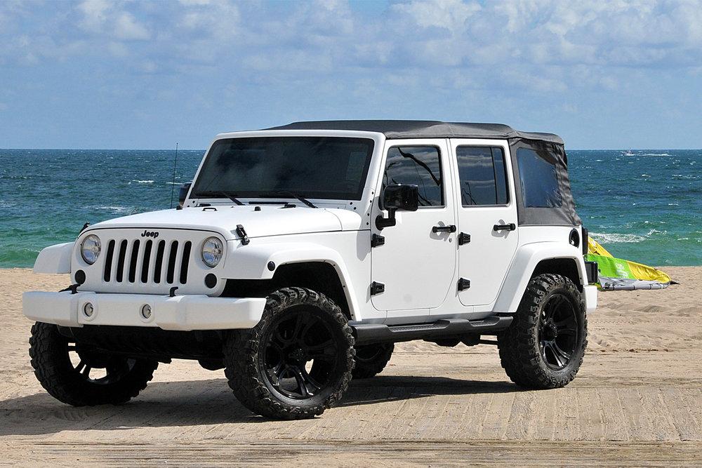 metrowrapz_product_gallery_white_jeep_wrangler.jpg
