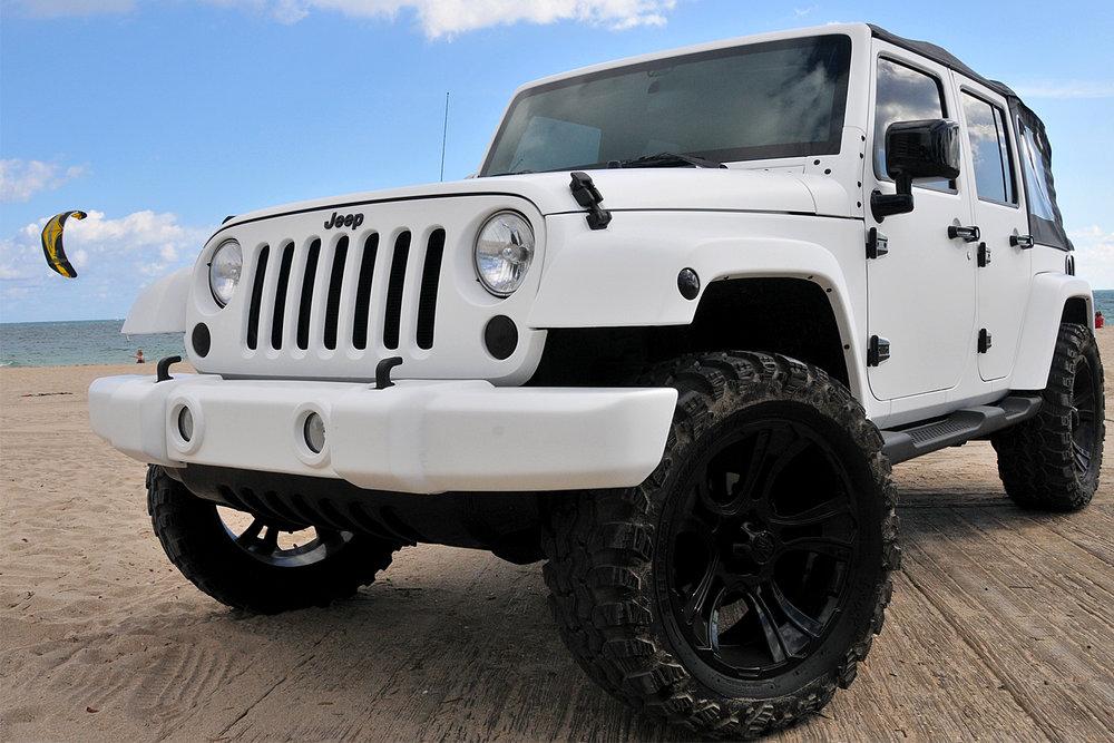 portfolio_wrapz_white_jeep.jpg