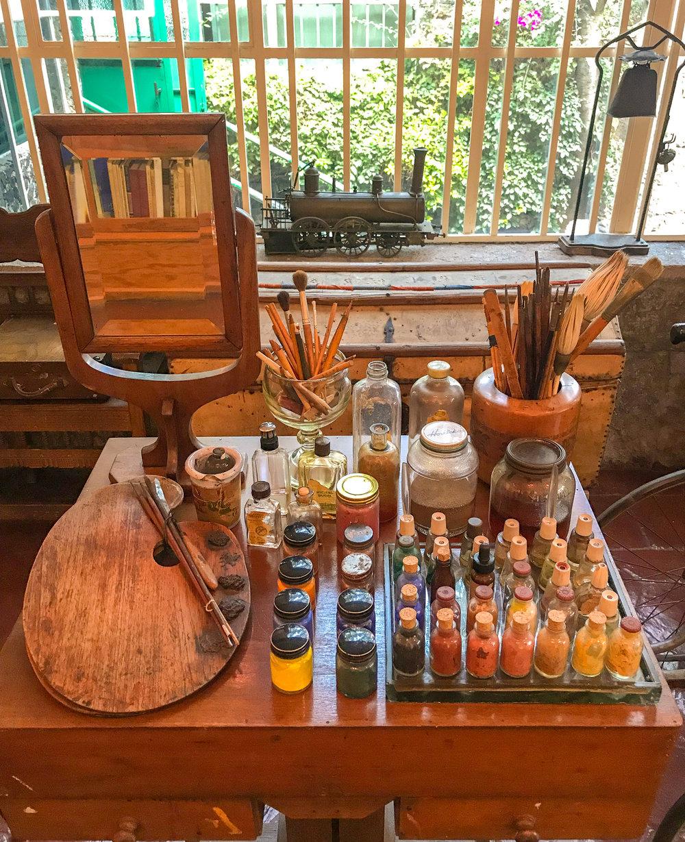 Frida Kahlo's paint set