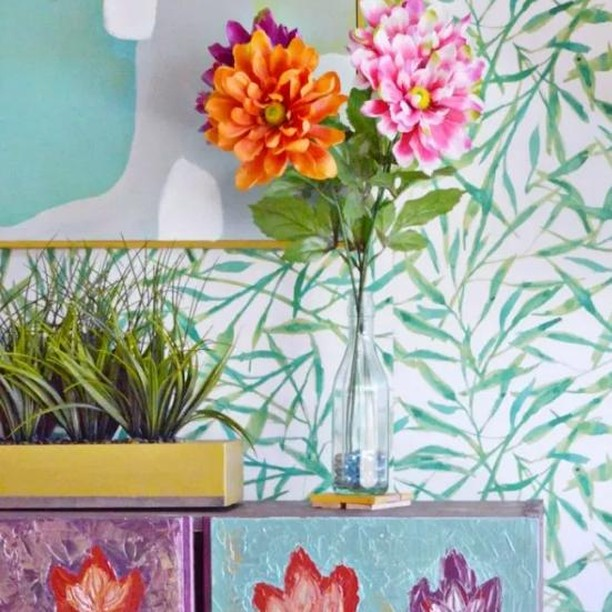 A #ORC complete with mixing patterns + our Watercolor Leaves design.  Image + project by @deliciousanddiy - #peelandstickwallpaper #watercolor #removablewallpaper #oneroomchallenge #mixingprints #wallcovering #diy