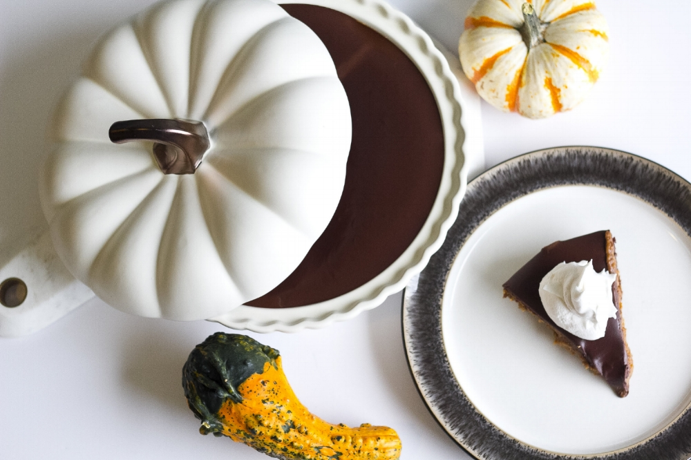 Healthy Holiday Dessert: Paleo Pumpkin Pie With A Decadent Chocolate Ganache Topping