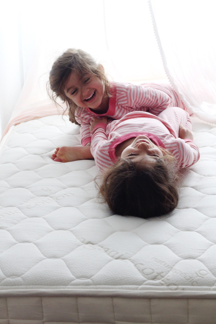 Kids Organic Mattress: Naturepedic Verse Mattress Review, Why It's A Safe Choice