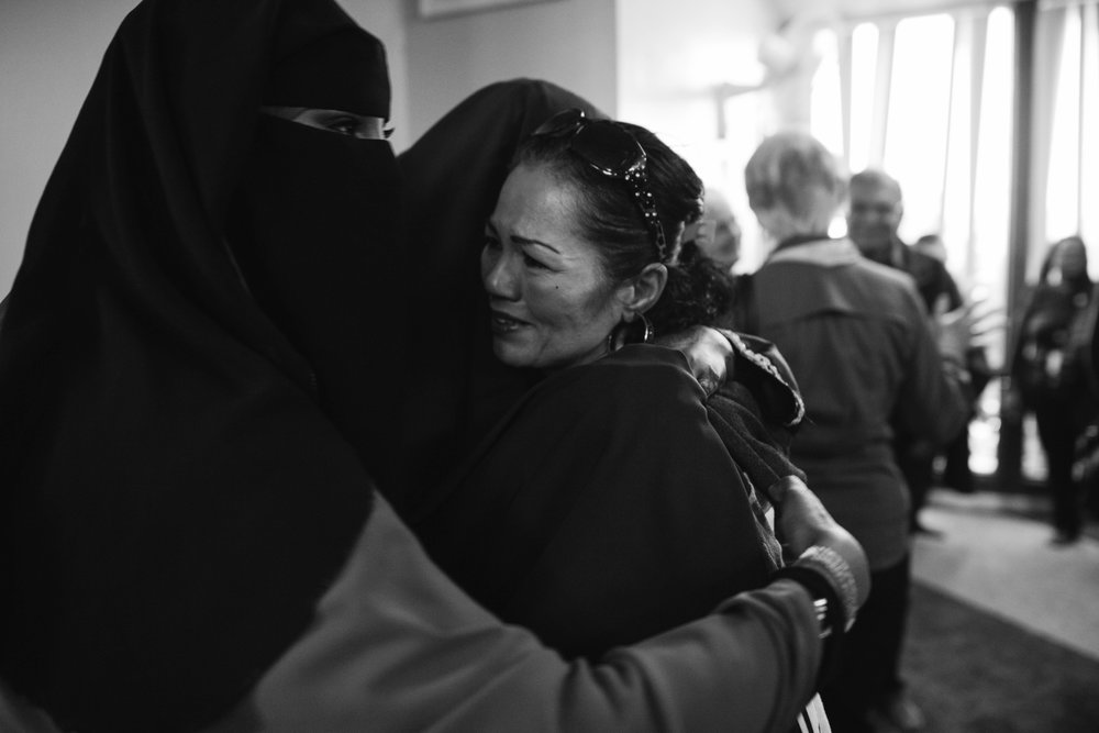 "Alicia Cervantes is embraced by young women at the mosque, and they told her ""do not cry!"""