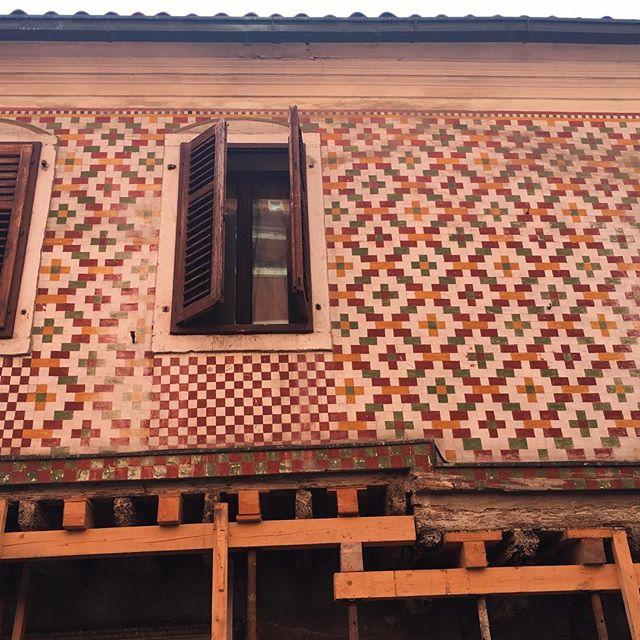 facade, Koper