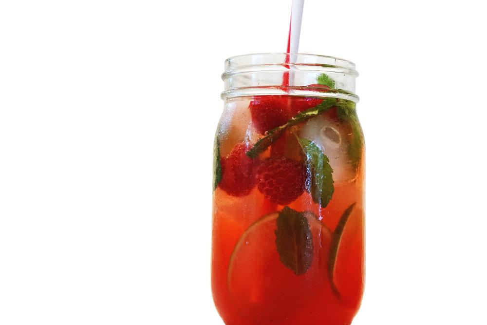 discover-deal-mezze-cocktail-raspberry.jpg