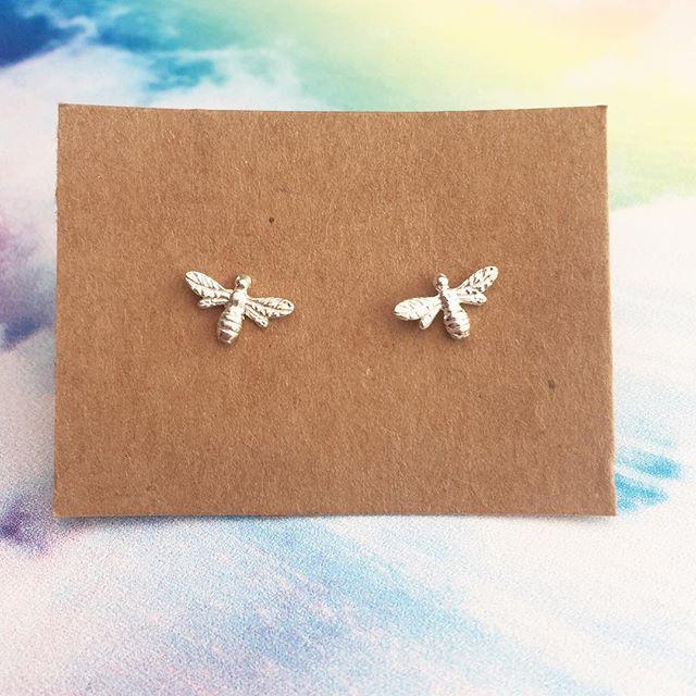Elsies-Bow-Bee-Earings.jpg