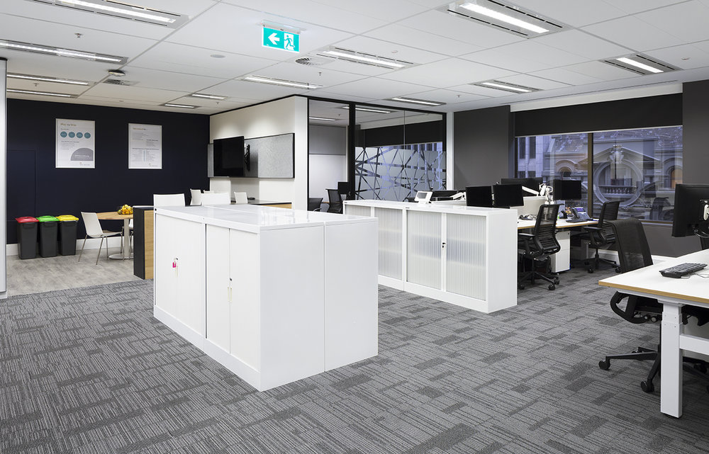 Tall Architects fit out at BNY Mellon was refined, and features workstations that are optimised for ergonomics.