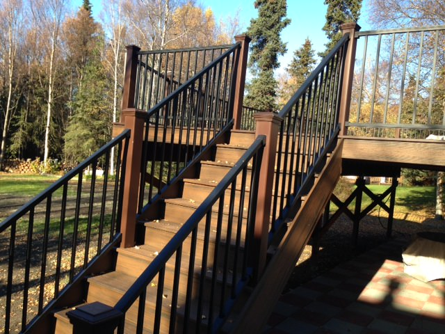 TREX_Decking_Railing_Aluminum_Firepit_Brown.JPG