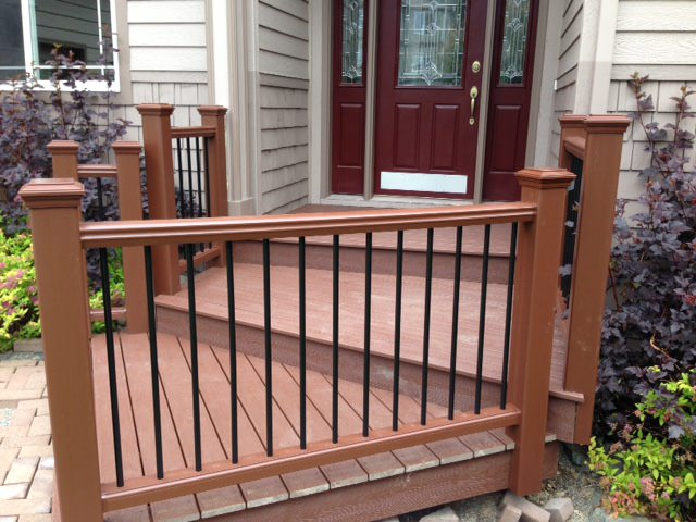 TREX_Decking_Railing_Firepit_Brown.JPG