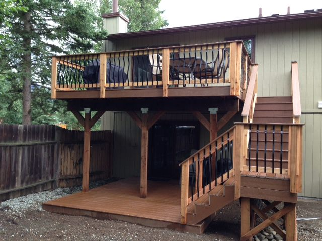 TREX_Decking_Custom_Decorative_Railing_Treehouse_Brown.JPG