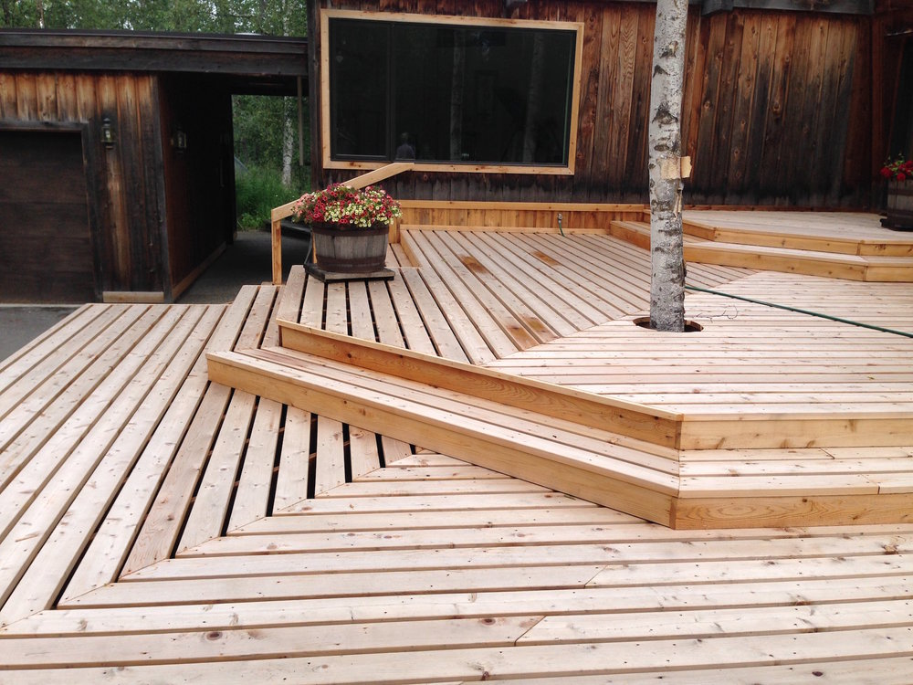 New_Cedar_Deck_Built_Around_Tree.JPG