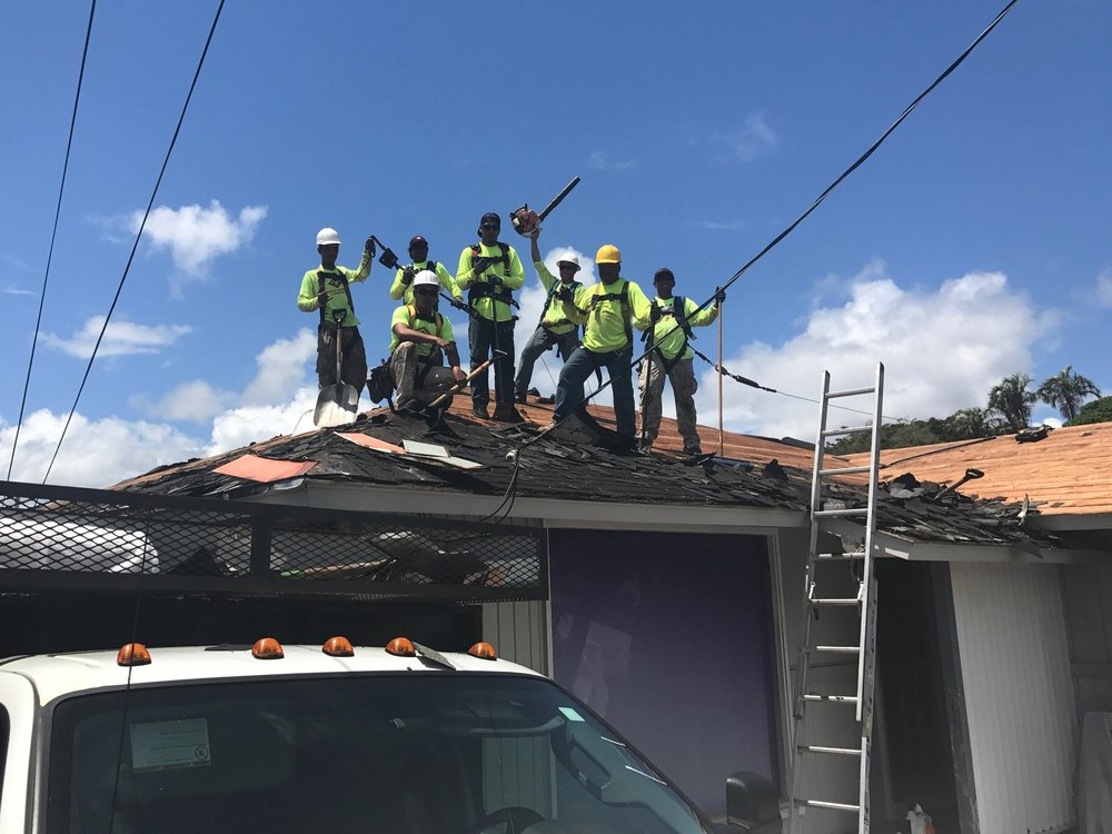 Crew Photo | Kapili Roofing & Painting