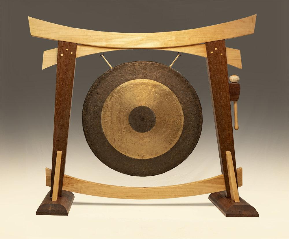 gongstand 6875-sm.jpg