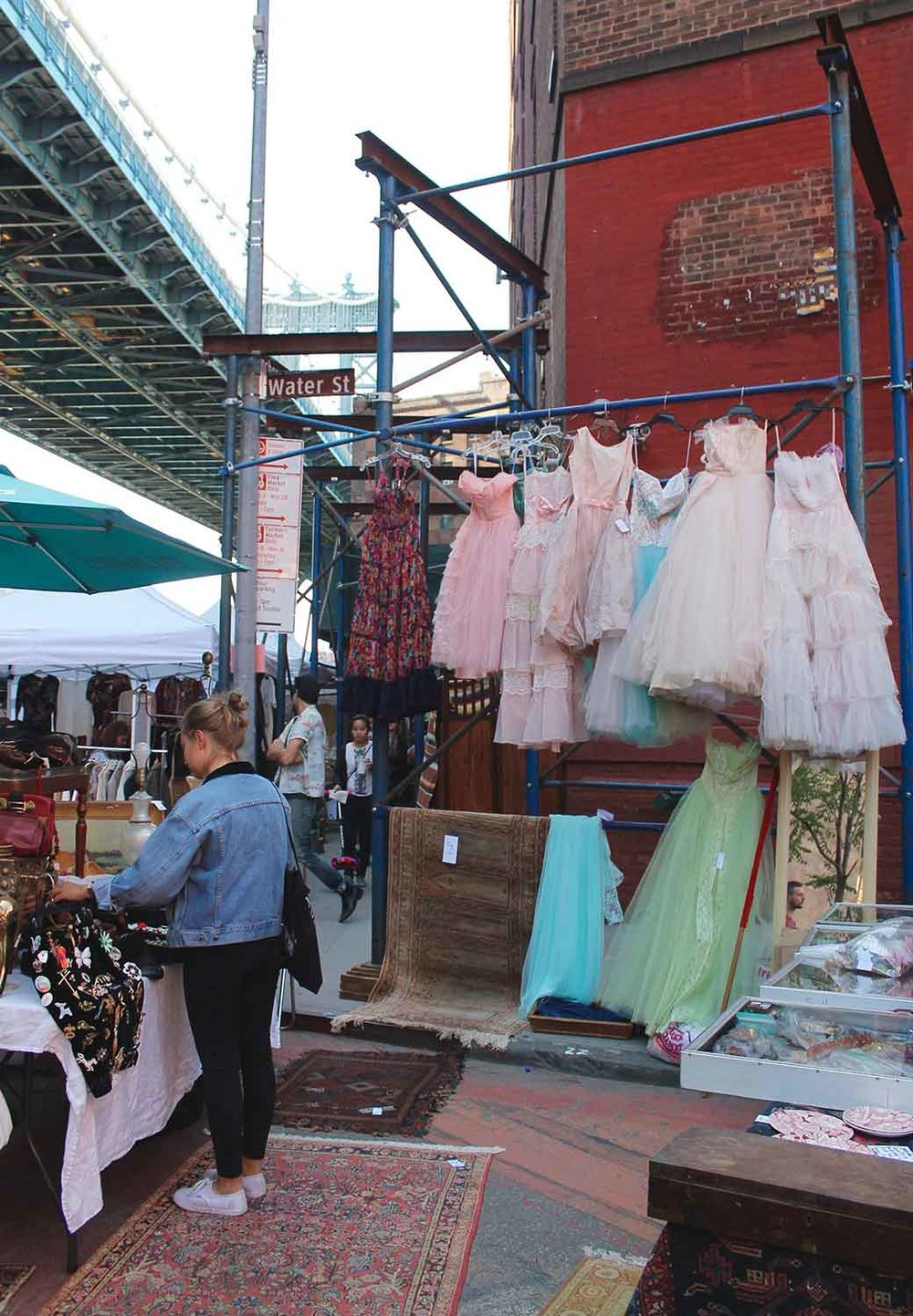 Brooklyn-Vintage-Flea-Market-NYC-via-5thfloorwalkup.com-by-Melina-Peterson_7004.jpg