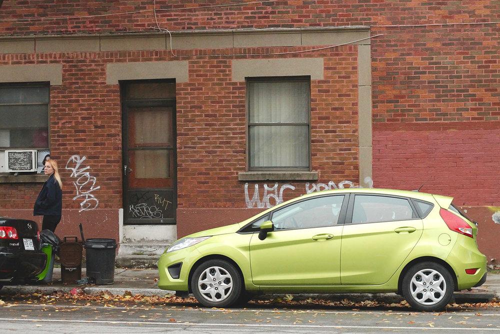 IMG_8713-Montreal-street-photography-via-5thfloorwalkup.com-by-Melina-Peterson.jpg
